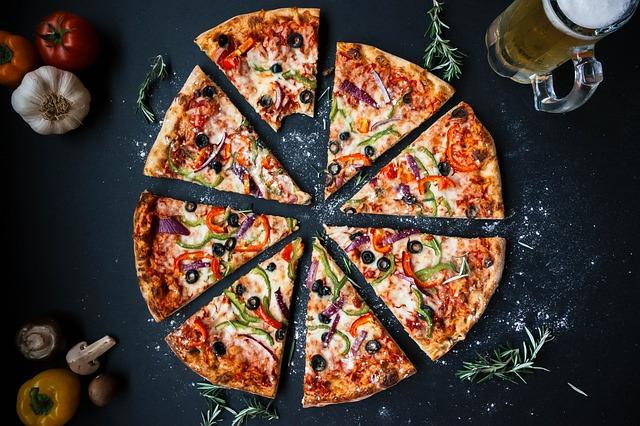 Jak przygotować domową pizzę?