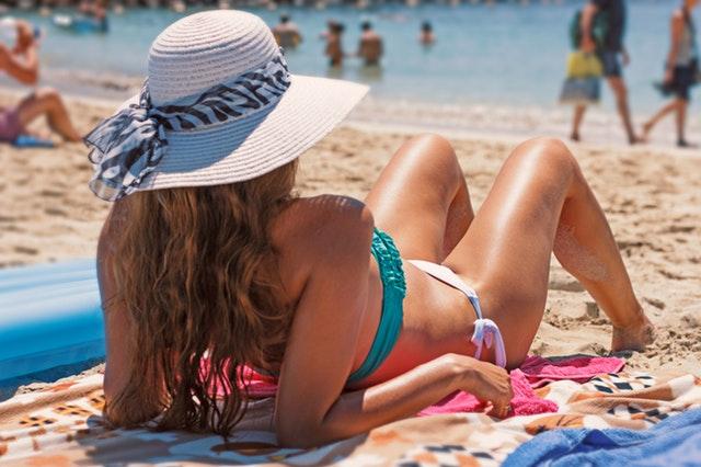 beach-beach-hat-bikini-287909